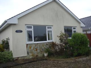 Delfan 3 bedroom bungalow minutes from the sea, Morfa Bychan
