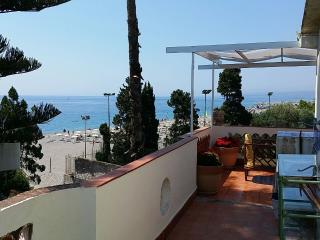 Attico vista mare, Giardini Naxos