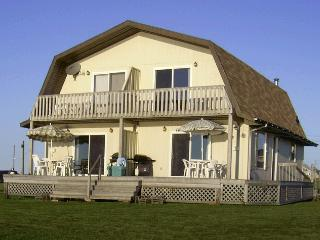 Sandcastles Beach House - Duneside: Stunning View on PEI's Best Beach!