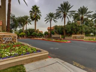 Scottsdale Condo with golf course view