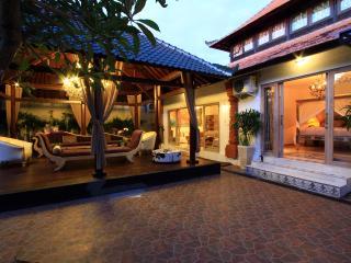 Villa Manggis, 5 bedrooms, Sanur, Bali