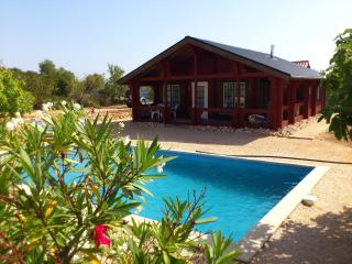 Holiday House with swimming Pool on 35000 qm
