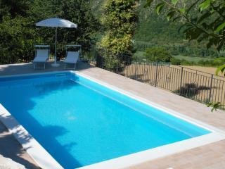 casa vacanze con piscina ad acqualagna, Cagli
