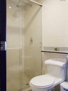 Shared toilet and bathroom for single bedrooms 2 & 3