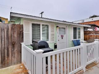 Pismo Cottage CLEAN COZY Sleeps 7