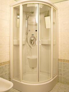 Bagno 02 - Cabina doccia con sauna e idromassaggio