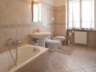 LARGE&COZY HOME- TIVOLI & ROME AREA, Castel Madama