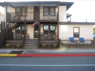 18th Street- Great Location 400 Ft to the Beach