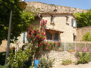 maison en pierre en drôme provençale, La Roche-sur-le-Buis