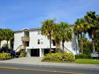 BeachSide Condo with Heated Pool! Pet up to 50# Welcome! 2 bedroom, 2 bath, Indian Rocks Beach
