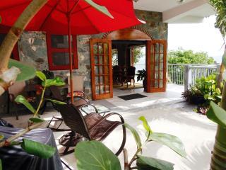 Special Summer Rates-Bluebitch, Luxury, Beachfront, Cruz Bay