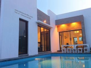 3 Br. Relax Pool Villa, Pak Nam Pran