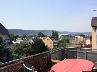 Vacation Apartment in Rüdesheim am Rhein - 1023 sqft, nice view, quiet, central (# 8820)