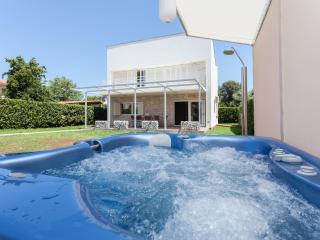 House Valbruna, Rovinj