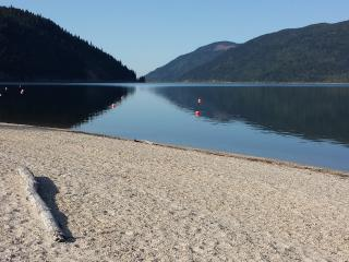 Beach House, Sicamous