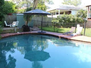 2BDR, 2BTH, 24 HR Checkin, Ground Fl, Pool, Wifi, Brisbane