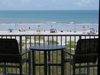 Sandcastles - Awesome DIRECT BEACHFRONT View (April 7 - 14 : DISCOUNTED 10%)