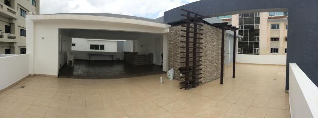 Terraza o solarium en la azotea...tambien hay BBQ disponible