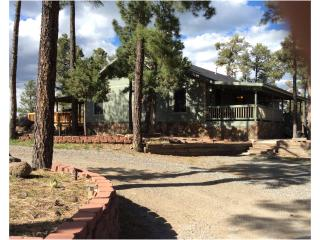 Trevino Mountain Escape!***With New Amenities***, Ruidoso
