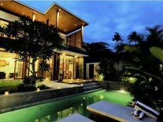 Bale Gede 3 Bedroom Luxury Villa, Seminyak