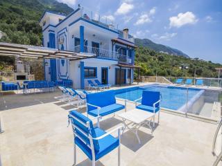 Holiday villa in Kordere / Kalkan , sleeps 12: 003