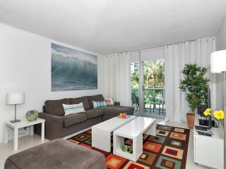 Beautiful Condo in Hollywood Beach - 2 Bedrooms