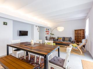 Urban District - Vintage Loft Barcelona (2BR) - MID TERM RENTALS