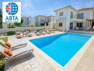 Oceanview Villa 001 - 4 bed close to the beach, Protaras
