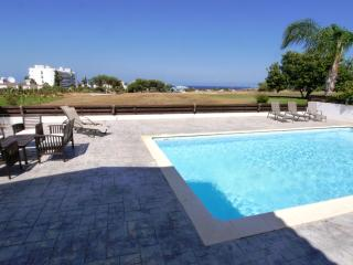 MANVIL26 Large 3 bed Villa Centre of Protaras