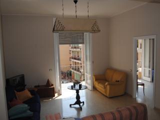 Casa Vacanza Salerno 'Living Sa'