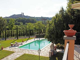Tuscany, Beautiful, Clean & Fabulous Villa with Private Pool,  Lovely Gardens