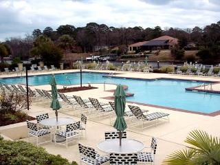 Edgewater, 4b/3BA Elegant, Sleeps 8!, North Myrtle Beach