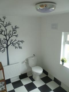 Large open plan bathroom