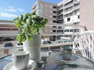 Apartment Mia, Zara