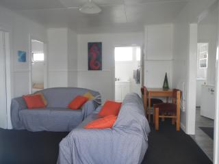 motel style units, Westport