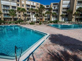 2BR/2BA Direct Oceanfront with breathtaking views