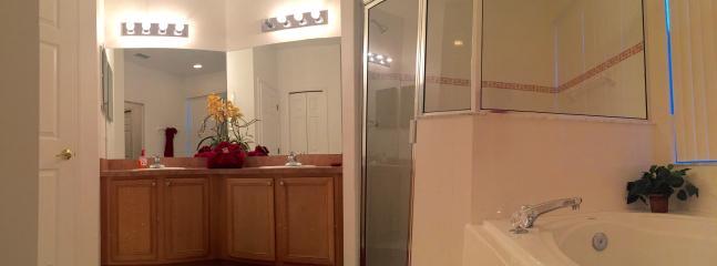 Ensuite bathroom 1