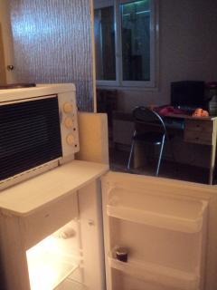 four et plaques devant - Wifi et box TV
