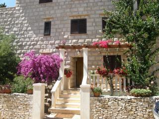 Villa Renipol -   Apartment 2, Sutivan
