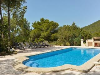 Villa with pool,barbecue Sant, Es Cubells