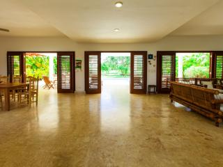 VILLA MARIA 4 BDR-PRIVATE POOL & HOUSEKEEPING, Punta Cana