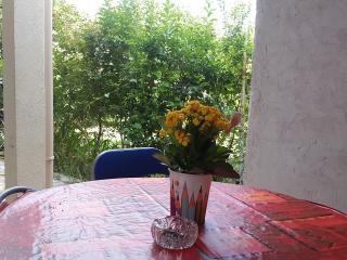 Studio meublé climatisé 15 min Arènes de Nîmes