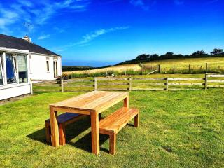 Luxury Bungalow 5-mins stroll to Morfa Nefyn Beach