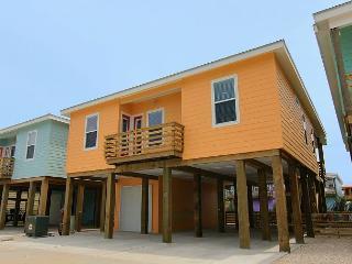 Brand new 4 bedroom 3 bath home in charming Ocean Village!, Port Aransas