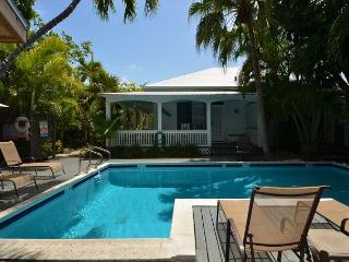 Garden Of Eden - Papa's Hideaway Historic Inn's 2 BR/2 Bath Cottage, Key West