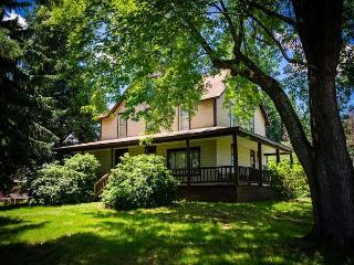 OVR'S Marietta House-1920's Farm House w/ Scenic Views of Sugarloaf Mountain!, Ohiopyle
