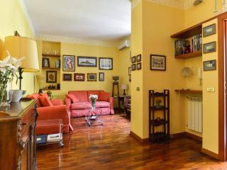 Villa Aranci apartment with Garden, Rome