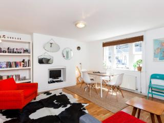 ★ DESIGNER ★ CENTRAL LONDON HOME ★ WITH GARDEN ★