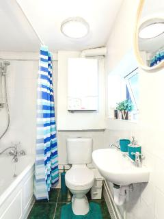 Professionally cleaned before your arrival, fresh towels also included :)