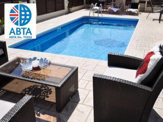 Oceanview Villa 101 - close to amenities & beach, Protaras